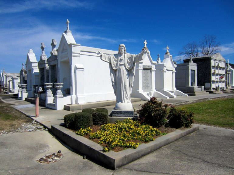 Roadtrip USA: Another New Orleans cemetary with no rain