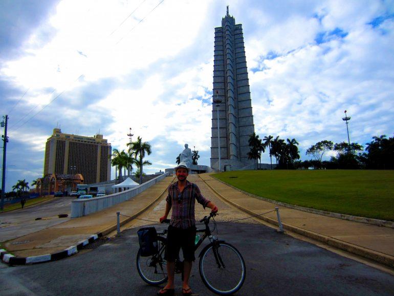 Radreise Kuba: Ich vor dem José Martí Monument