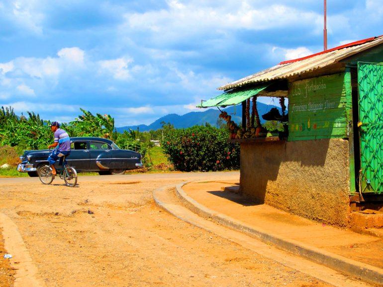 Radreise Kuba: Aussicht vom kleinen Imbissstand