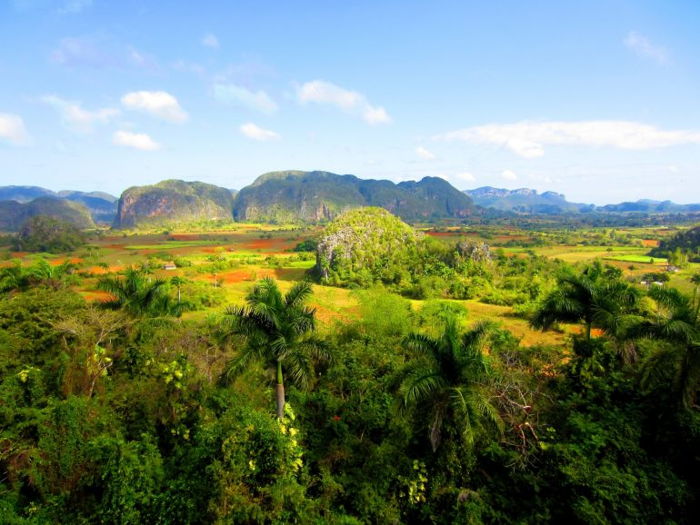 Cycling Cuba: Fields and hills in Viñales