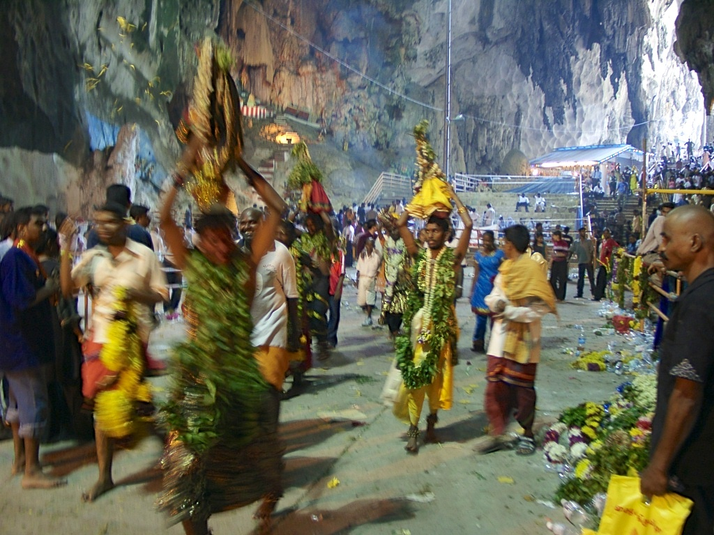 Festivals around the world: People inside Batu Cave