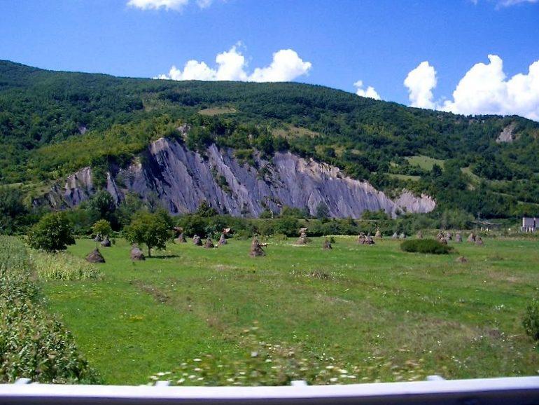 Trampen durch Europa: Blick auf die Berge der Karpaten