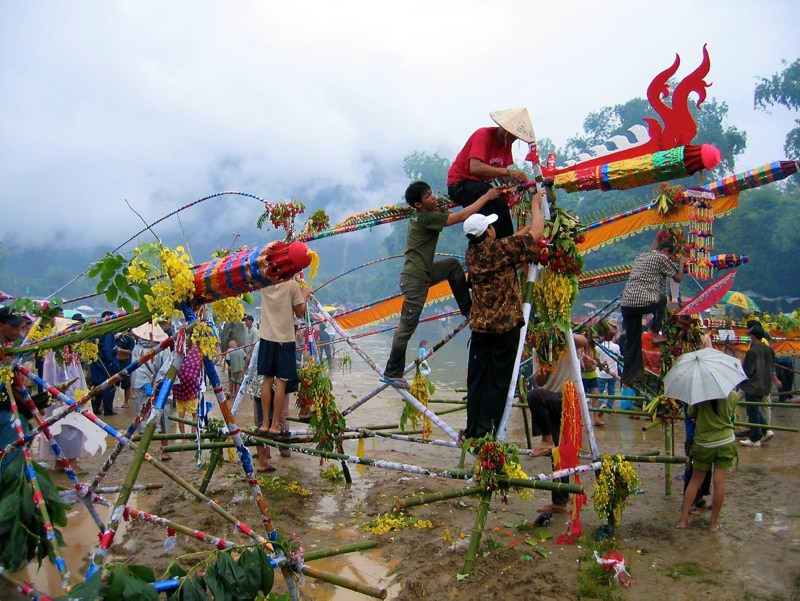 Festivals around the world: People with self-built rockets