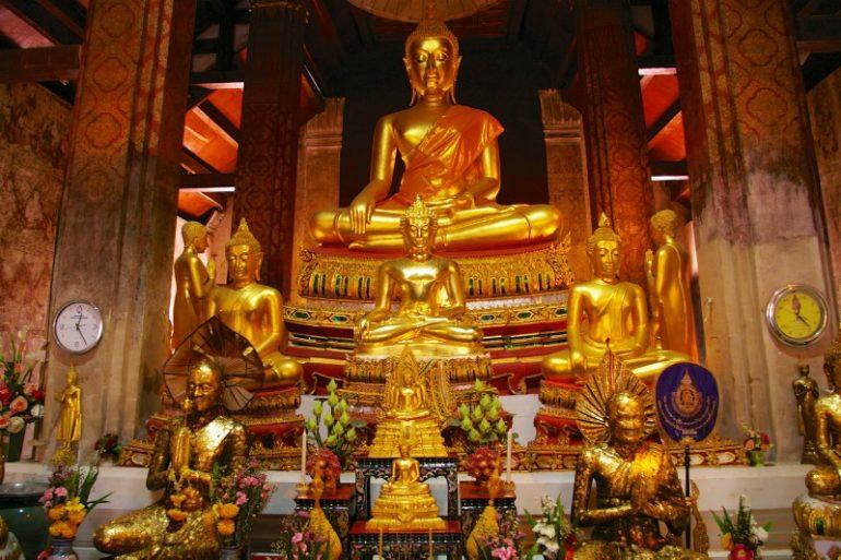 Mietwagen Thailand: Wat Yai Suwannaram