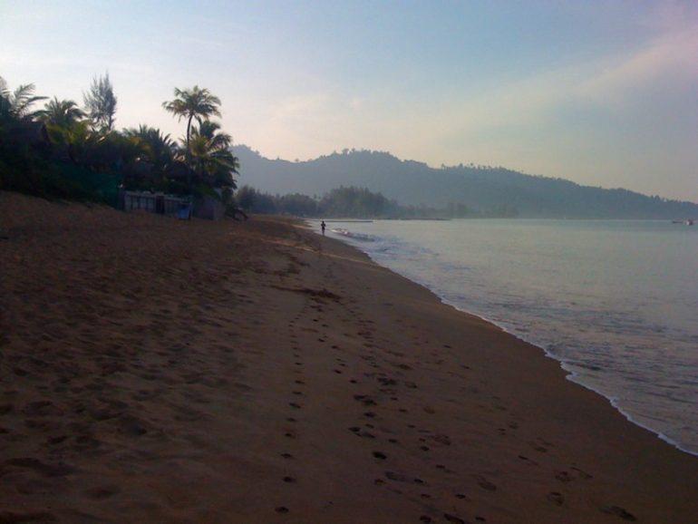 Auto Thailand: Strand in Khao Lak