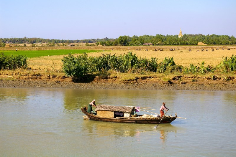 Boat with people on the Ayeyarwaddy
