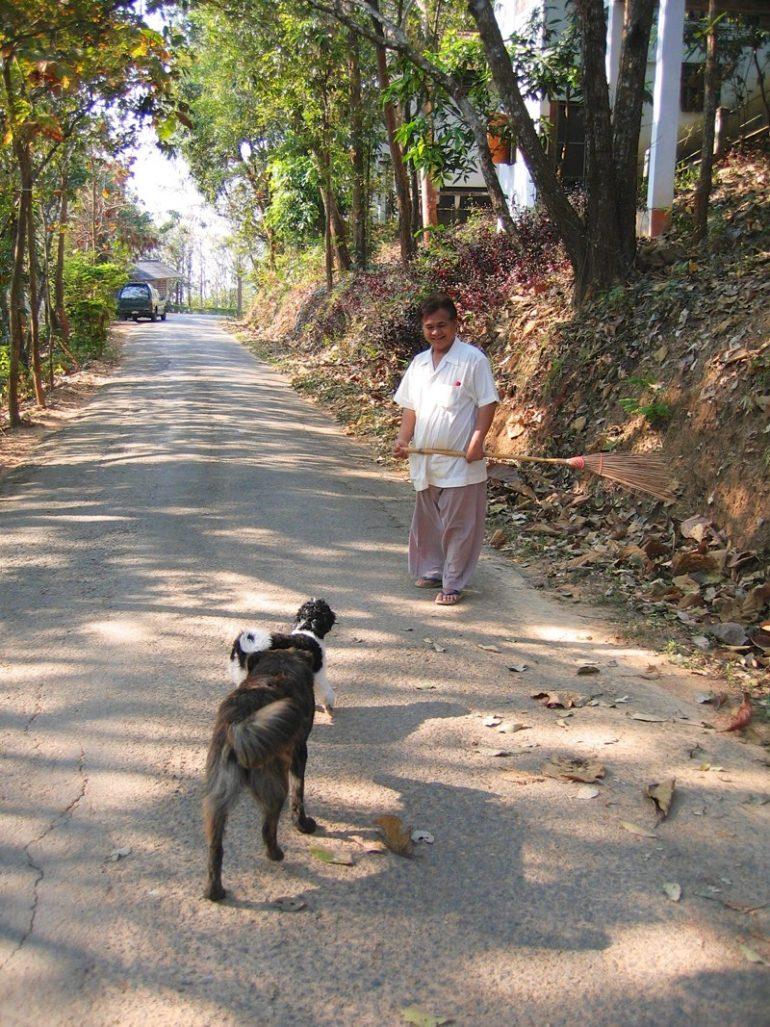 Vipassana Retreat: Alltägliches Leben im Tempel Wat Thaton