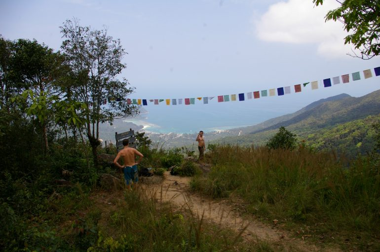 Khao Ra: The view from Khao Ra over Chalok Lam