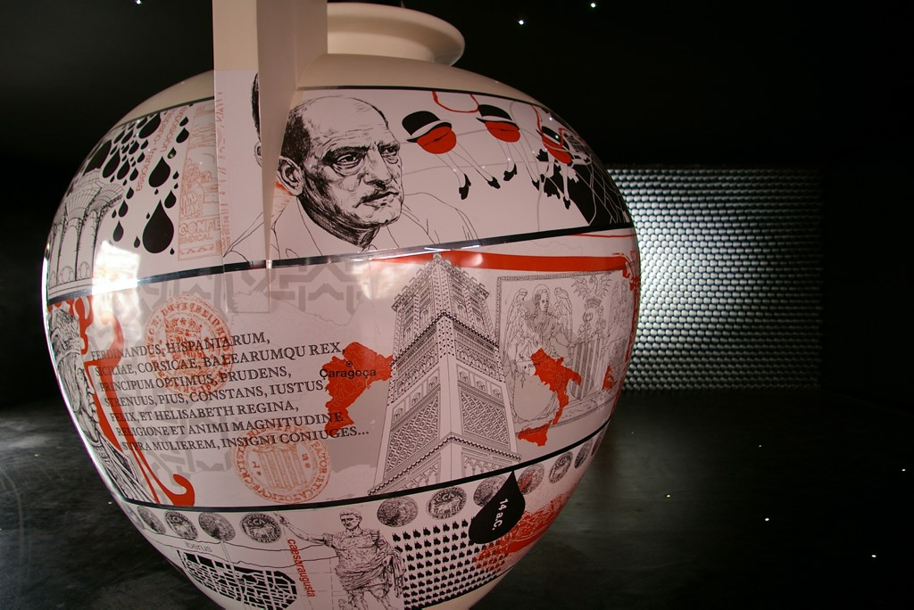Expo Zaragoza: painted vase