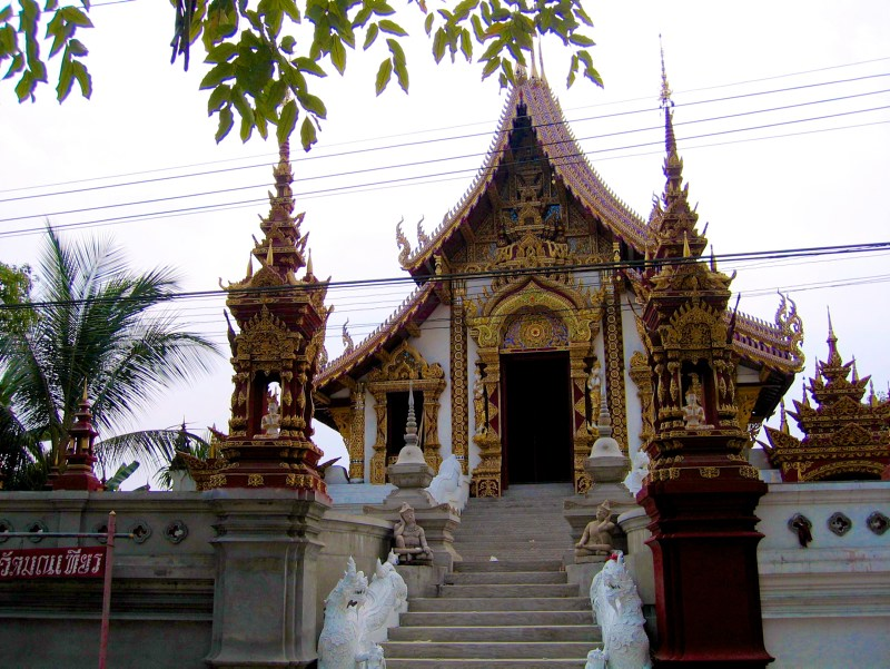 Temples in Chiangmai: Wat Monthien