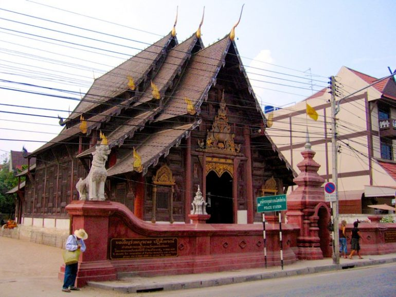 Tempel Chiang Mai: Holztempel Wat Pan Dao