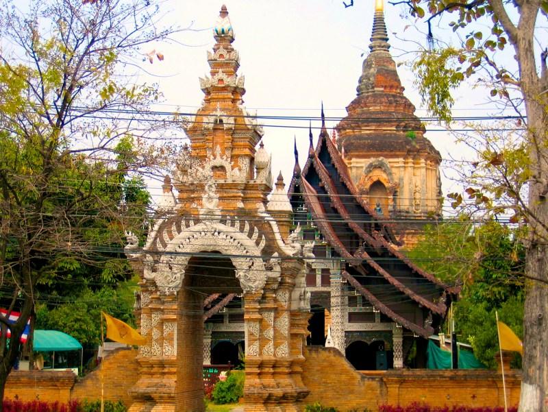 Temples in Chiangmai: Wat Lok Molee