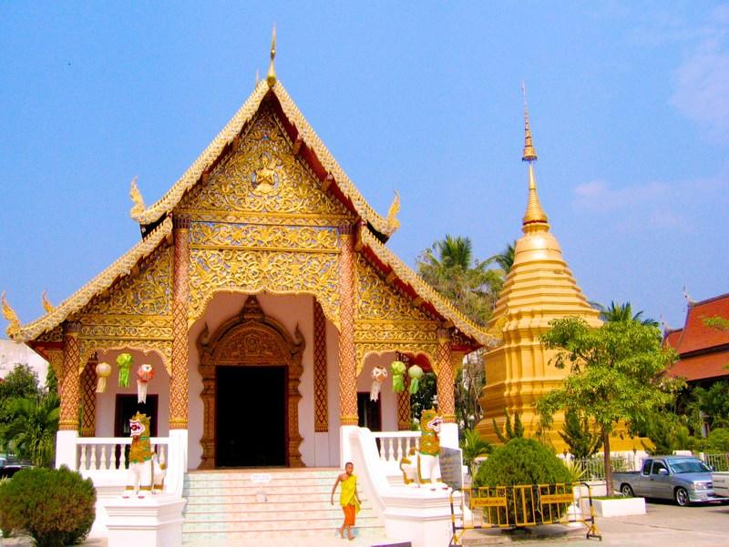 Temples in Chiangmai: Wat Chaiprakiat