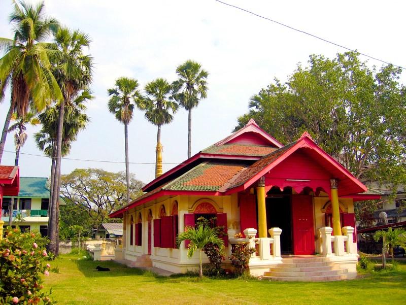 Temples in Chiangmai: Wat Sai Mun Myanmar