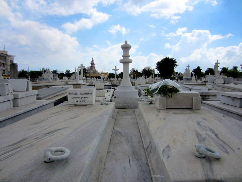 Graves at Cristobal Colon