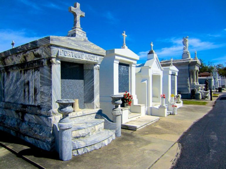 Most beautiful cemeteries: Graves at the City of the Dead