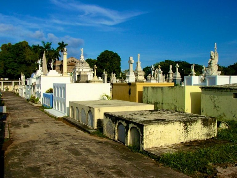 Most beautiful cemeteries: Graves at Antigua Cemetery