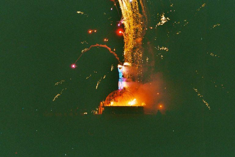 Brennender Holzmann beim Burning Man 2004