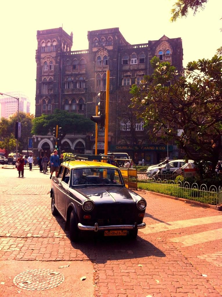 Jogging in Mumbai: Koloniale Architektur in Mumbai
