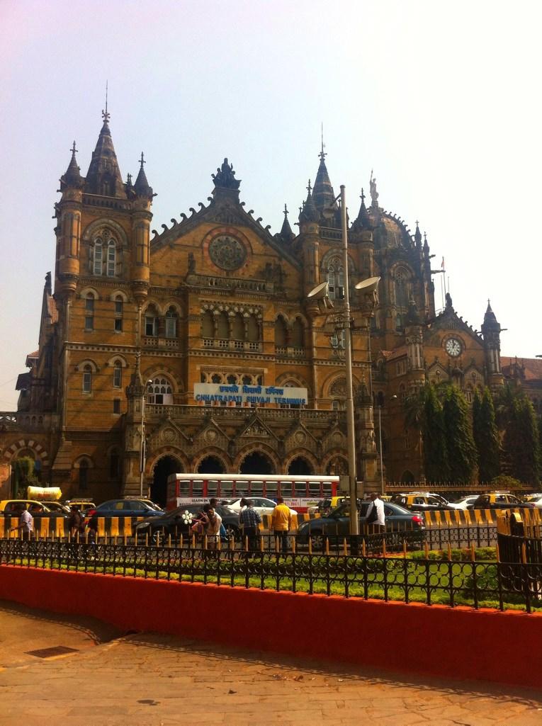 Jogging in Mumbai: Das Gebäude der Mumbai CST