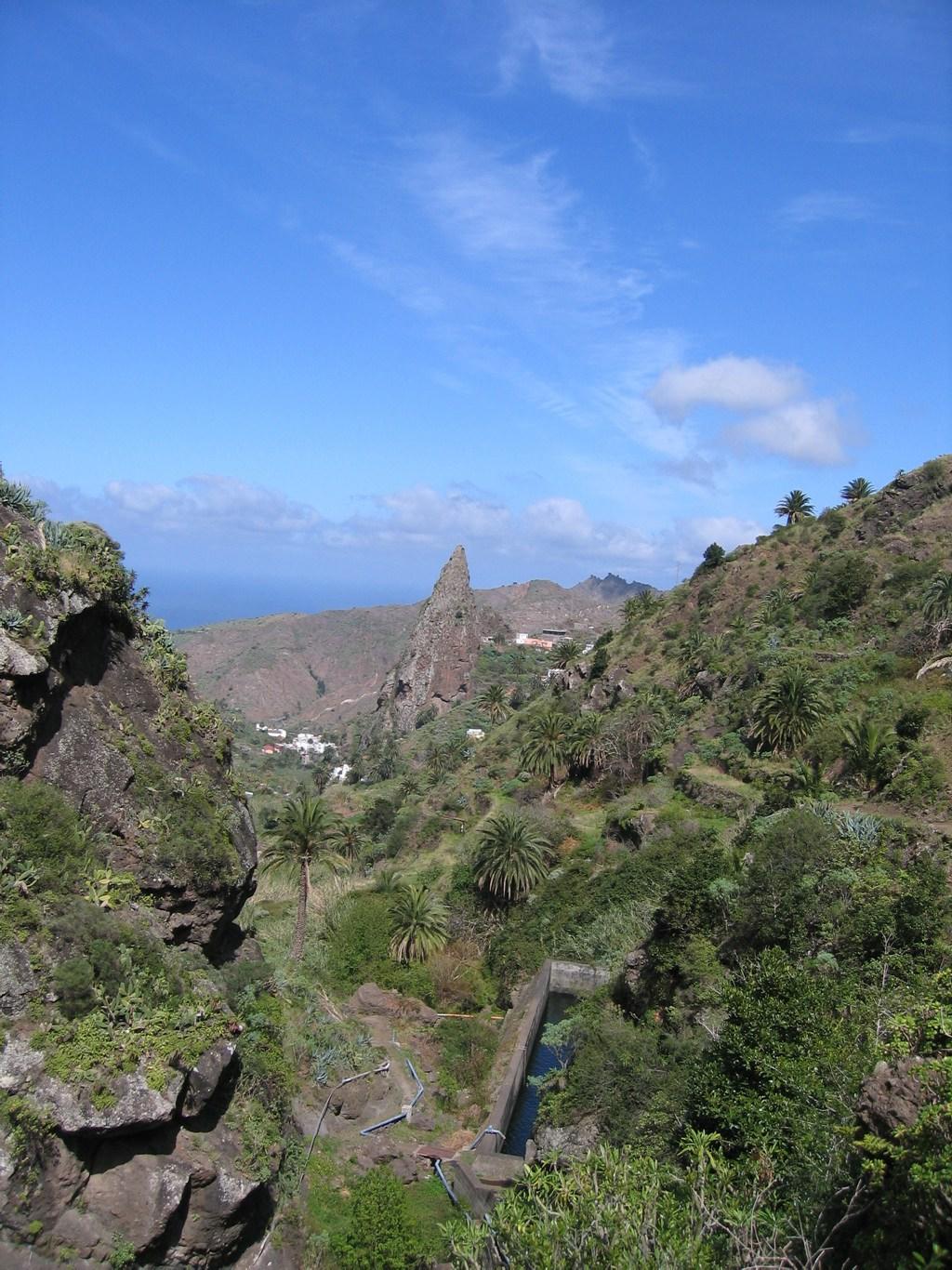 Berge und Täler in Gomera