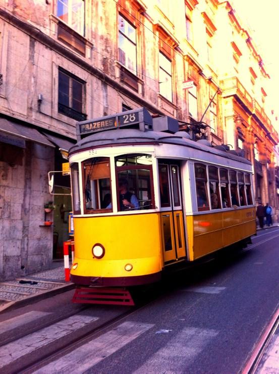 Lissabon Sehenswürdigkeiten: Tram 128