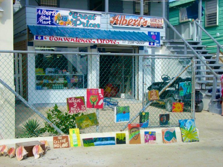 Supermarkt mit Kunstbasar auf Caye Caulker