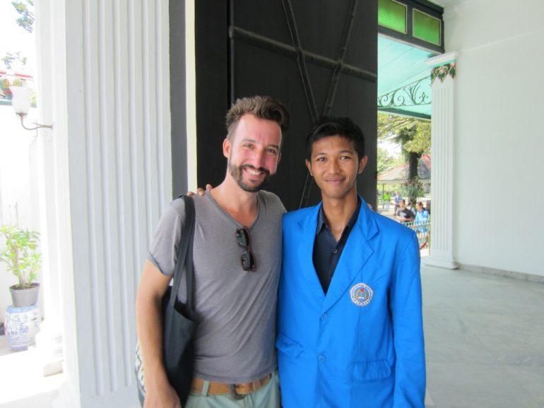Marco Buch mit indonesischem Student