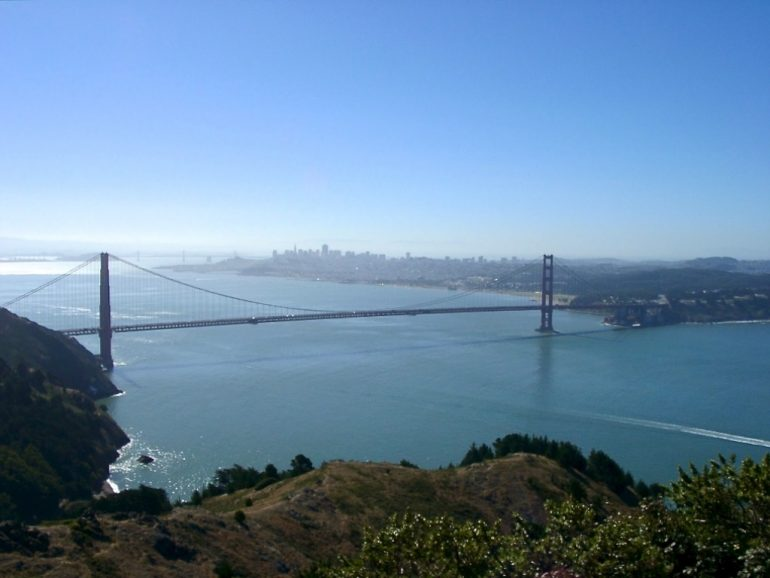 Road Trip USA: Golden Gate Bridge, Wasser und Himmel