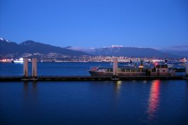 Vancouver Hafen abends