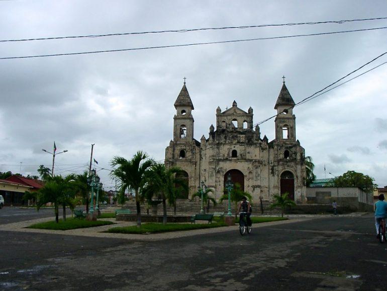Mittelamerika: Kirche in Granada