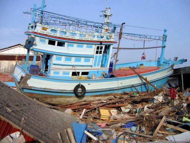 Tsunami 2004: Boot an Land in Ban Nham Khem
