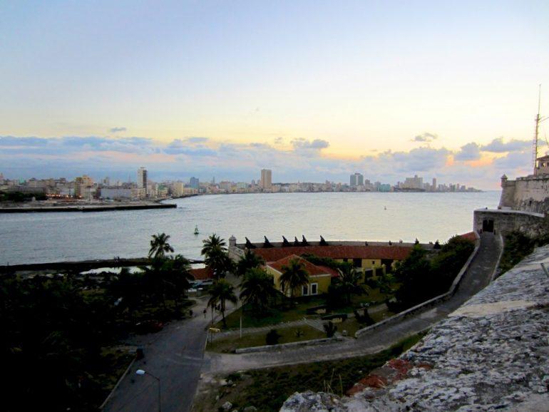 Der Ausblick auf Havanna ist eines der Kuba Highlights