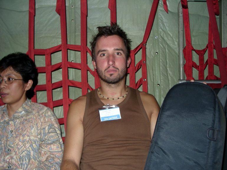 Tsunami 2004: Marco Buch in der Militärmaschine von Phuket nach Bangkok.