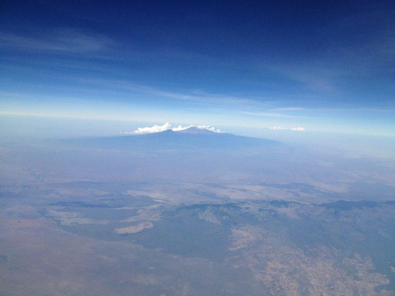 Luftaufnahme des Kilimanjaro