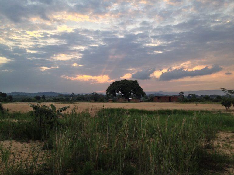 Sonnenuntergang über der Landschaft am Malawi-See