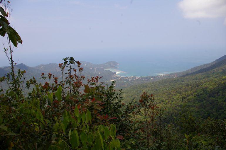 Ko Phangan Highlights: Blick auf Chalok Lam vom Berg Khao Ra