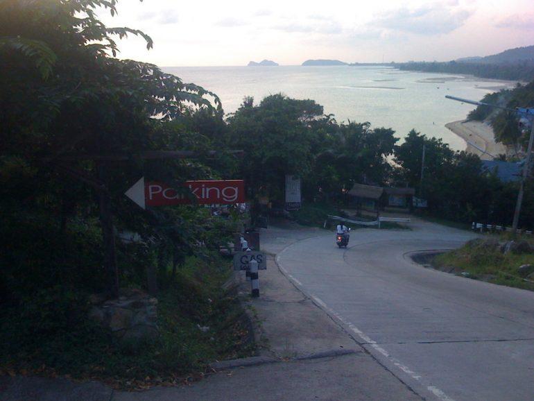 Ko Phangan Highlights: Steile Straße und Strand vor Had Rin