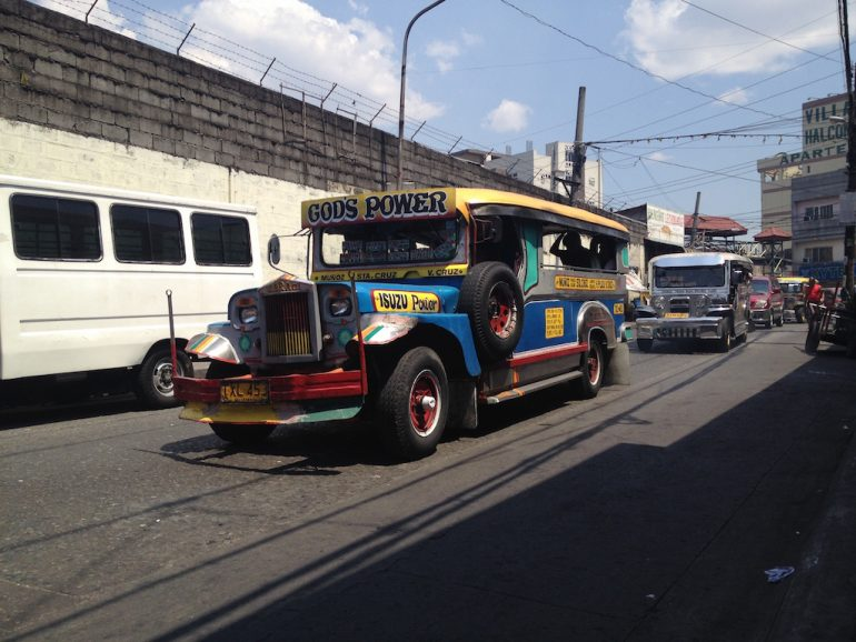 Philippinen Sehenswürdigkeiten: Jeepney in Manila