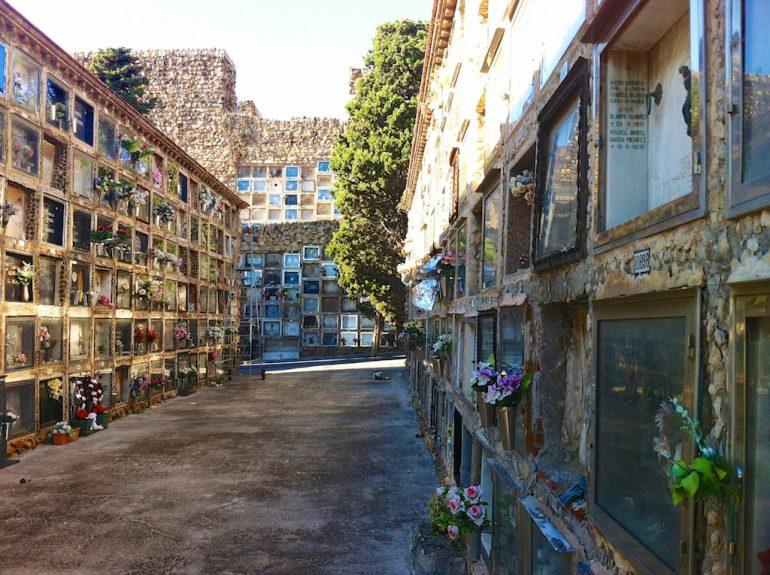 Schöne Fotos: Gräber auf dem Montjuic Friedhof, Barcelona