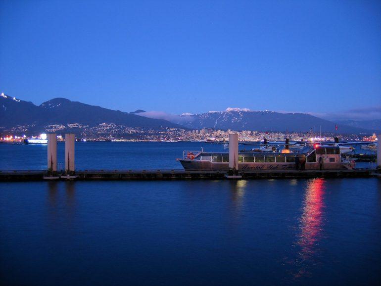 Schöne Fotos: Boot im hafen von Vancouver, British Columbia