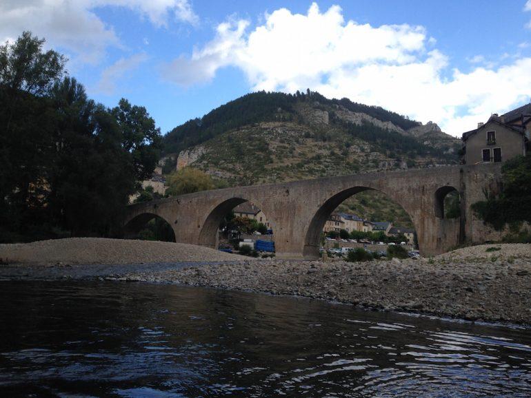 Brücke und Fluss in Sainte Enimie