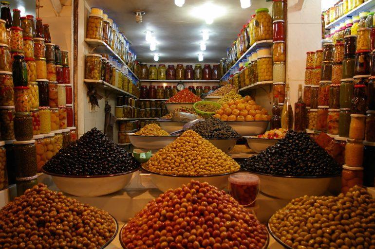 Marokko Sehenswürdigkeiten: Oliven in Marrakesch Souks