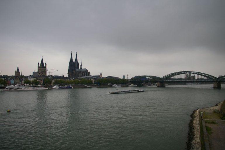 Brücke und Dom in Köln