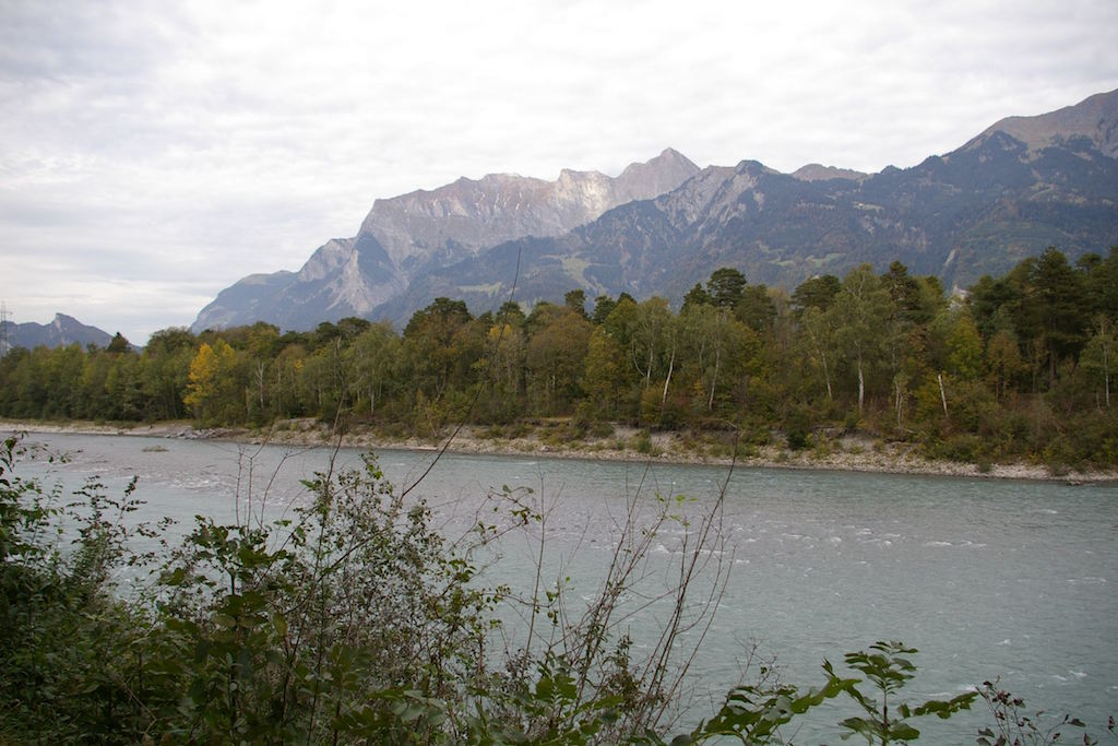 Neuer Rhein zwischen Bad Ragaz and Chur