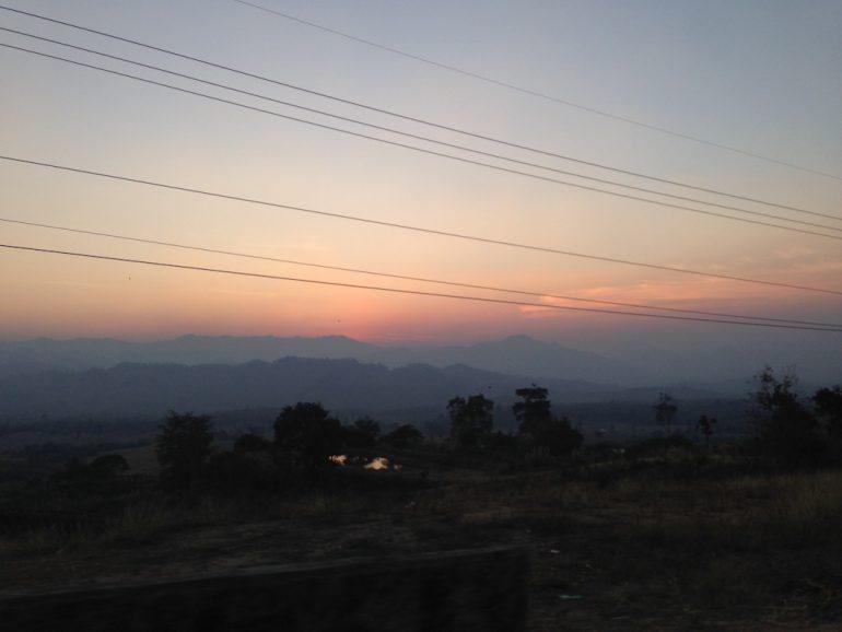 Mietwagen Thailand: Sonnenuntergang bei Umpang