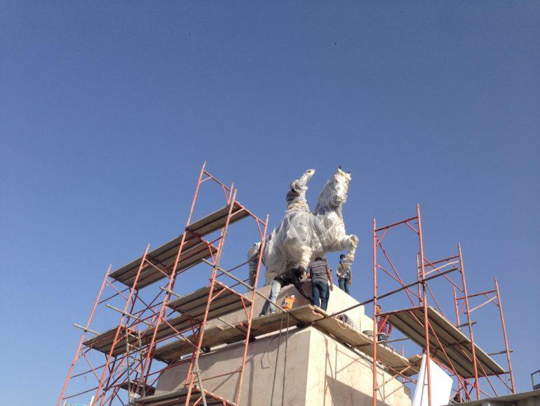 Tunesien: Statue an der Avenue Bourguiba