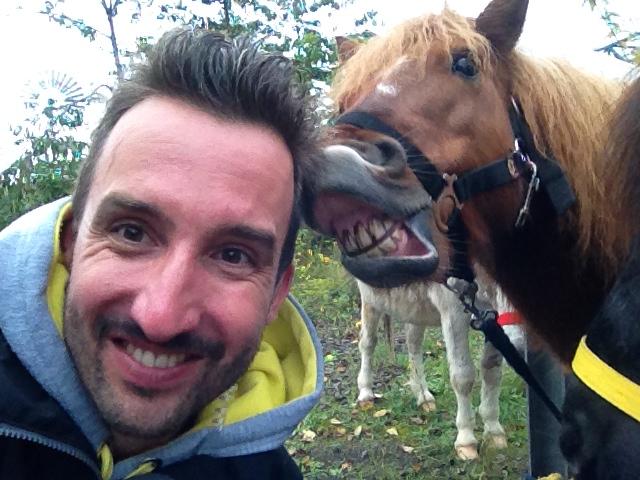 Say Cheese: Marco Buch mit lachendem Pferd
