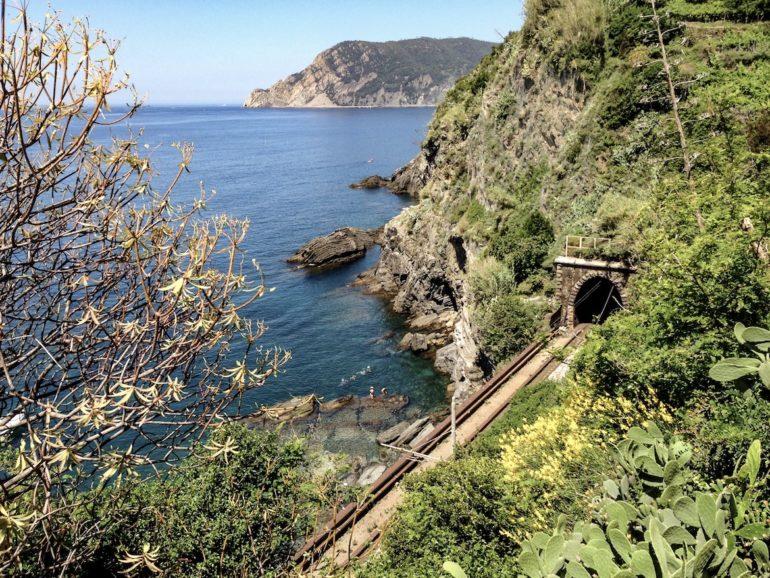 Statt wandern in den Cinque Terre: Bahnstrecke
