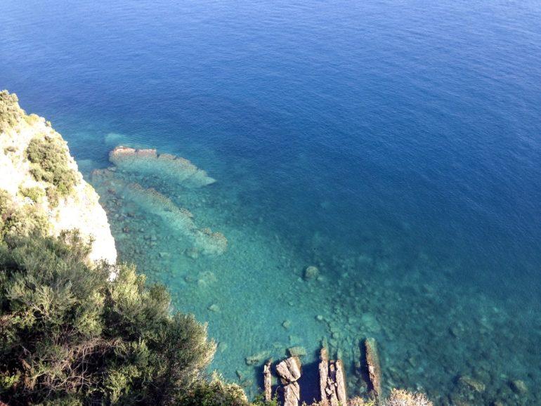Cinque Terre wandern: Küste und Wasser